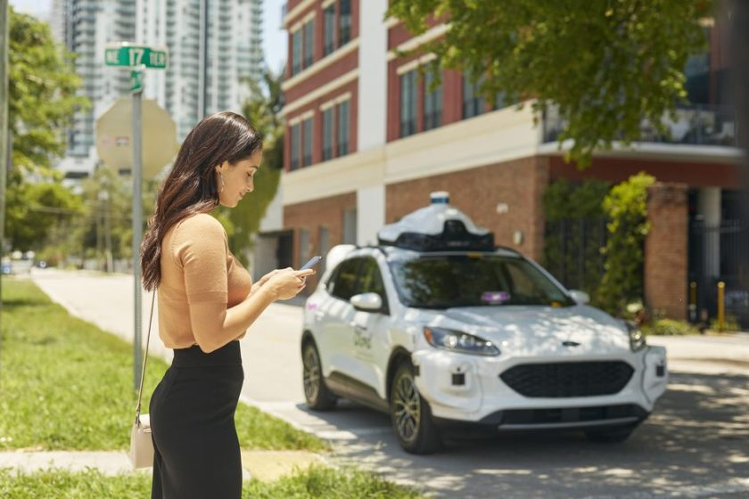 Ford and partner Argo AI will launch Lyft self-driving cars this year -  Roadshow